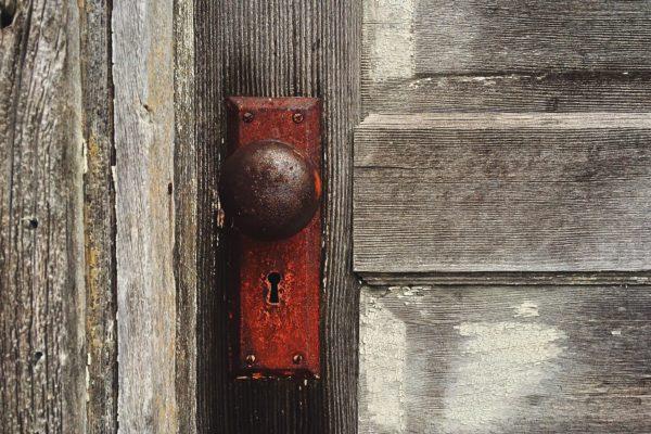 door-1110671_1920
